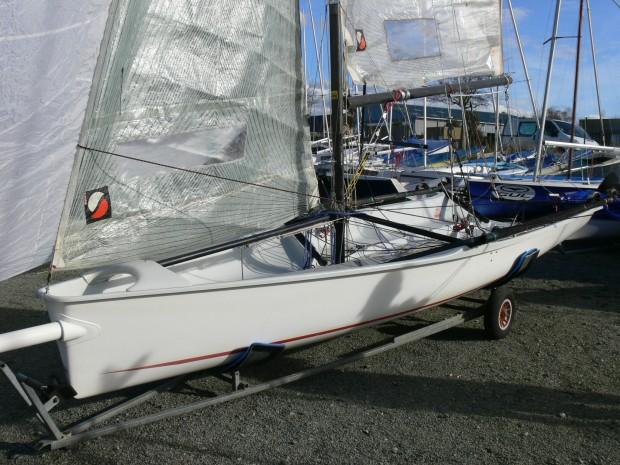 Boss double trapèze skiff occasion dériveur services (18)