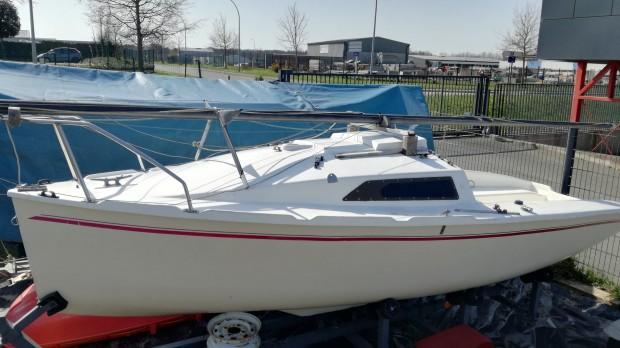 Maraudeur habitable day-boat occasion bateau familiale dériveur services